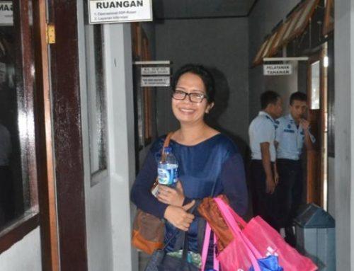 Dokter Ayu Cs Bebas, Keluarga Julia Kaget